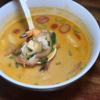Das Foto wurde bei PuTawn Local Thai Kitchen von Jeff W. am 9/5/2017 aufgenommen