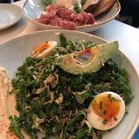 รูปภาพถ่ายที่ Two Hands Restaurant & Bar โดย Rachel . เมื่อ 1/27/2017