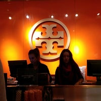 Photo taken at Tory Burch - Outlet by eSpacioShop .. on 12/21/2013