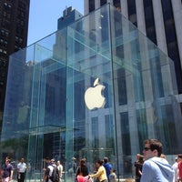 Photo taken at Apple Fifth Avenue by Carl F. on 5/27/2013