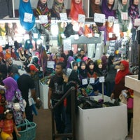 Photo taken at Muaz Textile by Muhamad Amry A. on 12/29/2012