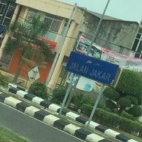 Photo taken at Jalan Jakar by Aidil R. on 9/16/2016