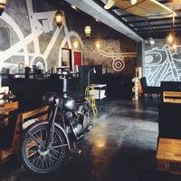 Photo taken at Kopi Beunta - coffee & pizza by Freddyvedy on 7/27/2014