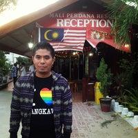 Photo taken at Mali Perdana Resort by Ashraf D. on 1/19/2013
