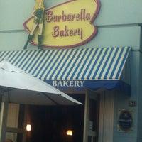 Foto tirada no(a) Barbarella Bakery por Fabio V. em 2/17/2013