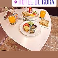 Foto tirada no(a) Hotel De KOKA por Servet Ulusoy em 4/10/2018