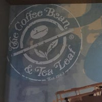 Photo taken at The Coffee Bean & Tea Leaf by Vicente O. on 9/3/2016