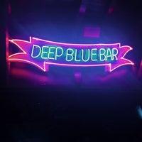 10/6/2014 tarihinde Murat K.ziyaretçi tarafından Deep Blue Bar'de çekilen fotoğraf