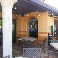 Foto tomada en La Parrilla Mexican Restaurant por Terron el 5/9/2013