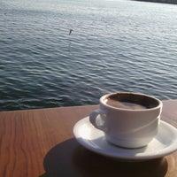 12/22/2014 tarihinde Hasan T.ziyaretçi tarafından Cafe'de Marine'de çekilen fotoğraf