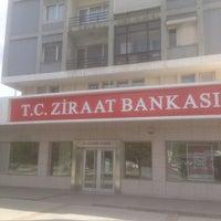 Photo taken at Ziraat Bankası 26 Ağustos Şubesi by Mehmet Ali O. on 4/11/2016
