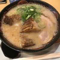 Photo taken at 博多長浜らーめん 夢街道 四条大路店 by Clara S. on 3/13/2017