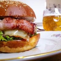 Photo prise au Dish – Fine Burger Bistro par kryštof le4/1/2013