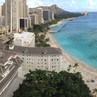 Photo taken at Moana Surfrider, A Westin Resort & Spa, Waikiki Beach by Michael Q. on 2/25/2013