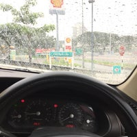 Photo taken at PETRONAS Station by Asraf Hanafi S. on 10/13/2017