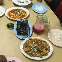 Photo taken at Seaview Seafood Restaurant by Asraf Hanafi S. on 7/30/2016