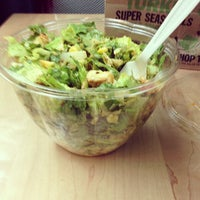Photo taken at Chop't Creative Salad Company by Peter S. on 2/21/2013