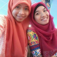 Photo taken at A&W RestauraN, Mall SKA Pekanbaru by Eka W. on 4/5/2014