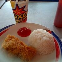 Photo taken at Texas Chicken Plaza Payakumbuh by Eka W. on 5/25/2013