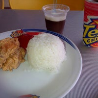 Photo taken at Texas Chicken Plaza Payakumbuh by Eka W. on 3/9/2013