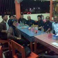 Photo taken at Daeng Ta Raja CotoMakassar by Peggy B. on 2/18/2015