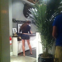 Photo taken at Abercrombie & Fitch by ElPsicoanalista E. on 9/23/2012