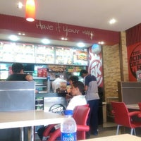 Photo taken at Burger King (Saleh Shehab Resort) Jlai3a 245 by Khalid A. on 9/19/2014
