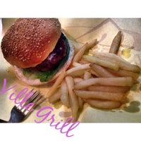Photo taken at Ville Grill Hamburger by Marie Frances L. on 10/12/2014