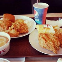 Photo taken at KFC by Zhi T. on 8/1/2016
