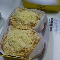 Photo taken at Hot Dog Du Piru by Carolina V. on 12/4/2012