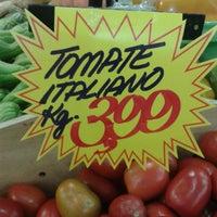 Foto tirada no(a) Supermercado Tome Leve por Maykon L. em 1/17/2014