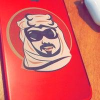 Photo taken at Dukkan Burger by جِيُمَ . on 6/18/2017