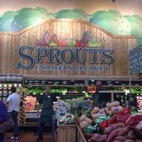Foto scattata a Sprouts Farmers Market da Brian H. il 11/8/2014