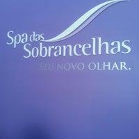 Photo taken at Spa Das Sobrancelhas by Bianca A. on 9/11/2014