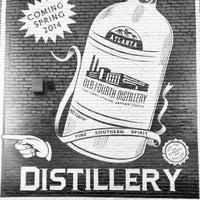 Foto tomada en Old 4th Distillery por Foodie B. el 1/30/2014