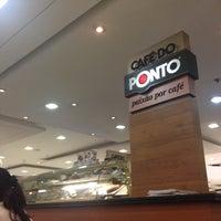 Photo taken at Café Do Ponto by Andrea Z. on 9/28/2014