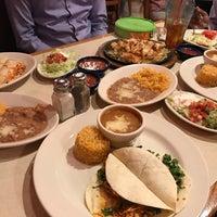 Photo prise au La Parrilla Mexican Restaurant par Raj K. le3/31/2017