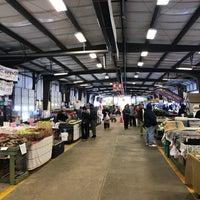Foto tomada en Charlotte Regional Farmer's Market por Raj K. el 11/18/2017
