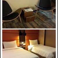 Photo taken at 東龍大飯店 East Dragon Hotel by Kanyasiri C. on 2/14/2014