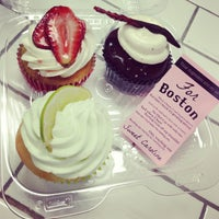 Photo taken at Let Them Eat Cupcakes by Kim B. on 5/4/2013