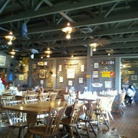 Photo taken at Cracker Barrel Old Country Store by Antonio V. on 11/19/2012