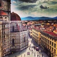 Foto scattata a Piazza del Duomo da Voyagique il 6/28/2013