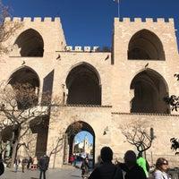 Foto tomada en Valenciaflats Torres de Serrano por Uğur Ö. el 1/27/2018