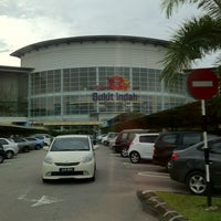 Photo taken at AEON Bukit Indah Shopping Centre by Welfred Suto on 12/23/2012