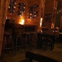 Das Foto wurde bei Doblo Wine & Bar von János D. am 12/22/2012 aufgenommen
