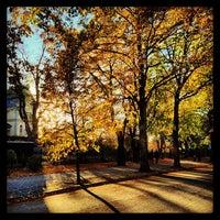Das Foto wurde bei Kaisaniemenranta von Esa L. am 10/20/2013 aufgenommen