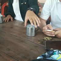 Photo taken at ร้านตามสั่งลุงสิงห์กับป้าศรี by Tiw'ly A. on 9/8/2016