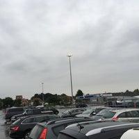 Photo taken at Parking Carrefour by Joel C. on 8/11/2016