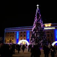 Снимок сделан в Площадь Ленина пользователем Damir S. 1/2/2013