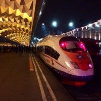 Снимок сделан в Московский вокзал пользователем Vsevolod M. 10/11/2013